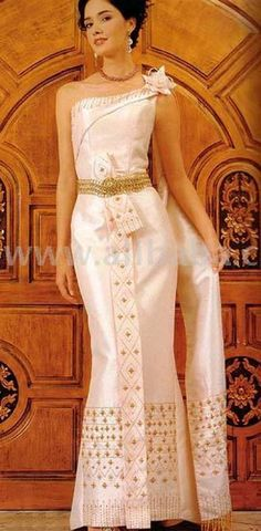 Thai-Style Evening Dress (Thai-Style Evening Dress)