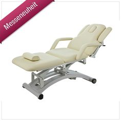 Unsere neue Massageliege bietet mit ihrer durchdachten Polsterung ein Optimum an Sitz- und Liegekomfort. Mit ihrem außergewöhnlichen Design ist sie für nahezu alle Behandlungen geeignet und elektrisch auf eine ergonomisch günstige Höhe von 53 bis 86 cm einstellbar - Rücken- und Fußteil sind ebenfalls präzise über die Fernbedienung verstellbar. (Art.-Nr.: ML 682 SF)