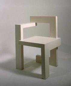 Steltmanstoel. Steltmanstoel (1963 – ontwerp 1963, uitvoering onbekend) Gerard A. van de Groenekan (uitvoering), Gerrit Thomas Rietveld (ontwerper). Iepenhout. Schenking + 1991 (bruikleen sinds 1988).