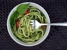 THE SIMPLE VEGANISTA: Creamy Zucchini Pesto with 'Noodles'