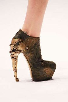 Extraterrestial Platforms - Alexander McQueen Alien Heels are Out of This World