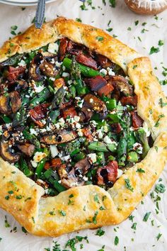 Asparagus and Mushroom Galette with Bacon, Goat Cheese and Balsamic Reduction Recipe : An asparagus and mushroom galette (open faced pie) with a light and flaky crust topped with goat cheese, bacon and balsamic reduction. Asparagus And Mushrooms, Baked Asparagus, Stuffed Mushrooms, Pie Recipes, Dinner Recipes, Cooking Recipes, Cooking Food, Dessert Recipes, Gastronomia