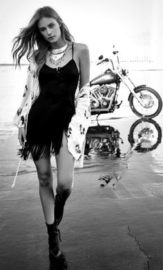 Boho chic in Black and White mono. For more followwww.pinterest.com/ninayayand stay positively #pinspired #pinspire @ninayay