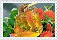 Kouzlo domova: Mátový a meduňkový med Korn, Kimchi, Pickles, Food And Drink, Herbs, Homemade, Canning, Vegetables, Health