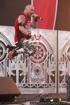 He got some air on that one! :) Ivan Moody - Five Finger Death Punch - 2014 Rock on the Range