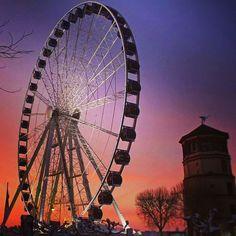 Düsseldorfer Altstadt @duesseldorferaltstadt #Riesenrad auf de...Instagram photo | Websta (Webstagram)