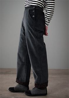 Corduroy trousers in cotton & elastane – Trousers – GUDRUN SJÖDÉN – Webshop, mail order and boutiques | Colourful clothes and home textiles in natural materials.