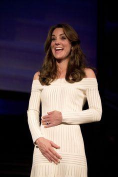 Kate Middleton ha mostrato per la prima volta le spalle in pubblico -cosmopolitan.it
