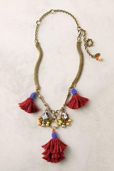 Love these tassels with the beaded tops! Tassel Jewelry, Fabric Jewelry, Ethnic Jewelry, Diy Jewelry, Jewelry Design, Jewelry Making, Jewellery, Hippie Chic, Diy Necklace