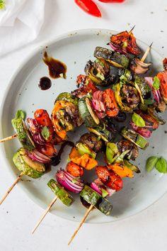 Grilled Vegetable Skewers, Grilled Vegetable Recipes, Grilled Vegetables, Chicken Marinade Recipes, Grilling Recipes, Beef Recipes, Cooking Recipes, Fun Recipes, Summer Recipes
