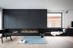 Fire place by Bosmans Haarden. Living Room Interior, Home Living Room, Living Spaces, Modern Fireplace, Fireplace Design, Linear Fireplace, Fireplace Wall, Modern Interior Design, Interior Architecture