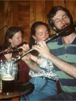 Traditional Irish flute playing, with descriptions of styles, advice for flute players, an extensive discography, and news. Irish Flute, Irish Traditions, Flutes, Music, Style, Musica, Swag, Flute, Musik