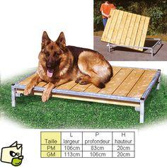 Banc de couchage pour courette de chenil et enclos d'eleveur permet au chien de s'allonger sans contact avec le sol