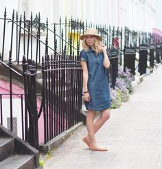 Blog for Arianna's Daily.A lifestyle destination for a stylish living.  Join me on my daily ramblings about all things that inspire me. From  Interiors to Travel, from Fashion to Food and all things that feed my  curiosity.
