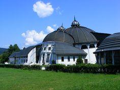 A Pázmány Péter Katolikus Egyetem Stephaneumát szintén Makovecz Imre tervezte.