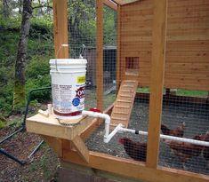 PVC Automatic Chicken Waterer : Steps - Instructables Chicken Garden, Backyard Chicken Coops, Diy Chicken Coop, Chickens Backyard, Heated Chicken Waterer, Automatic Chicken Waterer, Baby Chickens, Raising Chickens, Chicken Watering System
