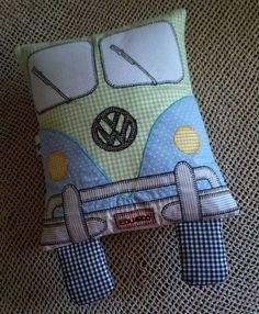 Naninha Kombi Softies, Kids Patterns, Sewing Patterns, Sewing Crafts, Sewing Projects, Pillow Pals, Sans Art, Fabric Toys, Sewing Pillows