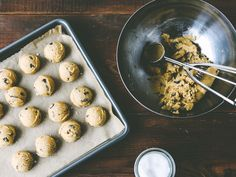 Sea Salt Chocolate Chip #Cookies - recipe here ➔ http://www.ohladycakes.com/2014/02/sea-salt-chocolate-chip-cookies.html
