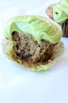 » Zucchini Cupcakes with Avocado Buttercream Frosting (Vegan) » Say it with Sprinkles: A baking blog filled with recipes & photos of sweet t...