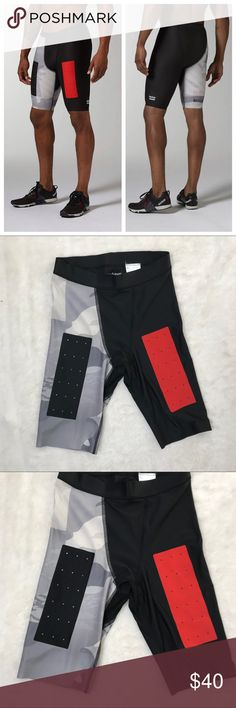 Reebok CrossFit S Mens Compression Training Short You're looking at a pair of compression shorts by Reebok CrossFit.  Size small  Great, gently preowned condition! Reebok Shorts Athletic