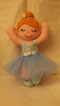 Guarda questo articolo nel mio negozio Etsy https://www.etsy.com/it/listing/508548795/bambola-ballerina-in-azzurro