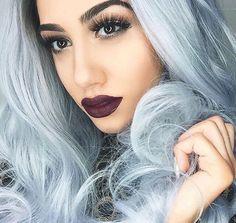 Whole makeup and hair is perfect Dark Hair, Blue Hair, Dyed Hair Pastel, Dark Lips, Silver Hair, Teen Fashion, Halloween Face Makeup, Pretty, Beauty