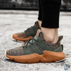 🔥🔥 OF CUSTOMERS BUY 3 OR MORE 🔥🔥Breathable Shoes For Men and Women !Boost shoes are one of the most popular shoes ever made. These shoes have a simple design but elegant and classy. Moda Sneakers, Casual Sneakers, Sneakers Fashion, Casual Shoes, Fashion Shoes, High Top Sneakers, Men Casual, High Heels, Fashion Men