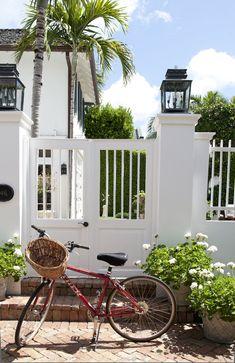 Gate/Exterior