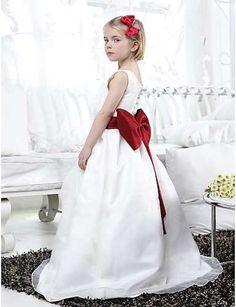 Vestidos de Primera Comunión 2014: Fotos de los modelos más bonitos (Foto 43/45) | Ella Hoy
