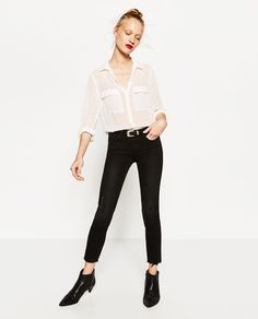 Zdjęcie 1 KOSZULA Z TKANINY PLUMETI z Zara New Wardrobe, Wardrobe Ideas, Neue Outfits, Zara United States, Poses, Work Wear, My Style, Blouse, Womens Fashion