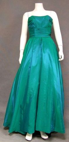 Authentic vintage clothing and eyewear from the and Gorgeous selection of vintage evening wear, vintage prom dresses and vintage wedding dresses, plus suits, sun dresses and more! Vintage Ball Gowns, Vintage Prom, Vintage Green, Evening Dresses, Prom Dresses, Formal Dresses, Sun Dresses, Wedding Dresses, 1900s Fashion