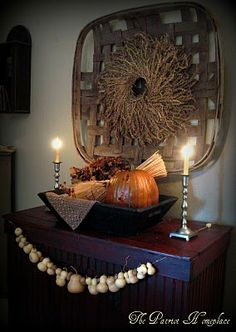 wheat wreath inside a tobacco basket, lovely gourd garland, gonna do this with my tobacco basket !