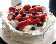 Strawberry pavlova – Donna Hay's recipe – Chronicles of a cookbookworm Bolo Pavlova, Mini Pavlova, Fruit Recipes, Cake Recipes, Dessert Recipes, Yummy Recipes, Food Cakes, Strawberry Pavlova, Strawberry Fields