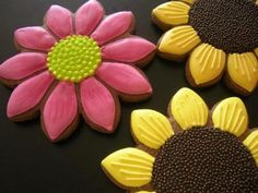 Awesome DIY Cookie Decor By Natasha Tasic | Shelterness I cannot do this lol