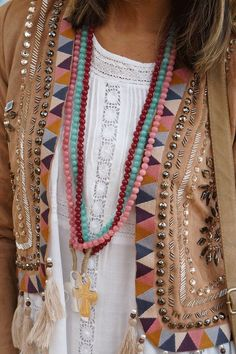 Discover recipes, home ideas, style inspiration and other ideas to try. Bohemian Mode, Boho Gypsy, Hippie Chic, Hippie Style, Bohemian Style, Boho Chic, Boho Outfits, Cute Outfits, Feminine Mode