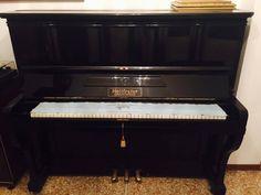 Pianoforte verticale HOLTFRETER