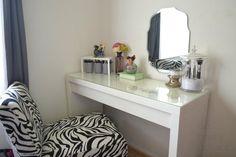 Vanity table set lighted makeup vanity table set corner vanity set black bedroom vanity with lights Makeup Vanity Furniture, Corner Makeup Vanity, Makeup Vanity Lighting, Diy Vanity Mirror, Makeup Table Vanity, Vanity Drawers, Makeup Desk, Vanity Ideas, Makeup Tables