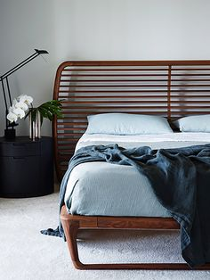 Bedroom ideas for small rooms, maximized your small bedroom with design, decor master spare layout inspiration for men and women - small bedroom ideas Home Bedroom Design, Diy Bedroom Decor, Living Room Designs, Bedroom Ideas, Couple Bedroom, Small Room Bedroom, Small Rooms, Nice Bedrooms, Australian Interior Design