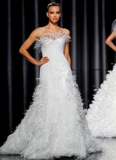 See pictures of Pronovias' Fall 2012 wedding dress collection. Wedding Dress With Feathers, Fall Wedding Dresses, Wedding Dress Styles, Bridesmaid Dresses, Manuel Mota, Irina Shayk, Pronovias Wedding Dress, Lucky Colour, Wedding Looks