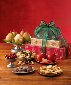 When it comes to finding Christmas gift ideas for coworkers, choose Harry & David. Choose from our array of office gift baskets, food gifts, and more. Christmas Music, Christmas Treats, Holiday Treats, Holiday Recipes, Christmas Decor, Holiday Gift Baskets, Holiday Gift Guide, Holiday Gifts, The Night Before Christmas