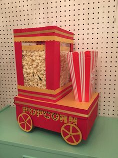 Many people believe that there is a magical formula for home decoration. You do things… Valentine Day Boxes, Valentines For Boys, Valentines Day Party, Popcorn Stand, Homemade Christmas Crafts, Birthday Gift Cards, Happy Birthday, Circus Theme Party, Pop Corn