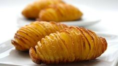 8 Things You Didn't Know About Starch ‹ Naked Food Magazine – The low-fat, whole food, plant-based nutrition approach to preventing and reversing disease. Batatas Hasselback, Hasselback Potatoes, Baked Potatoes, Fingerling Potatoes, Most Effective Diet, Easy Potato Recipes, Potato Side Dishes, Healthy Recipes, Xmas