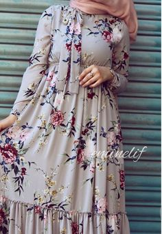 Hijab Fashion Summer, Modest Fashion Hijab, Abaya Fashion, Muslim Fashion, Fashion Dresses, Hijab Dress Party, Hijab Style Dress, Mode Abaya, Hijab Fashionista