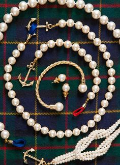 Classy Girls Wear Pearls - Scallop Around the Christmas Tree