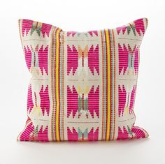 Doesn't this pillow remind you of a summery friendship bracelet?
