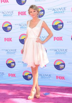 Taylor Swift - Teen Choice Awards 2012 - Gibson Amphitheatre - Universal City, CA - July 22, 2012 - Arrivals