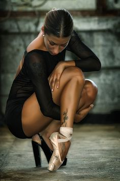 Love it, a heel on one foot and a pointe shoe on the other.