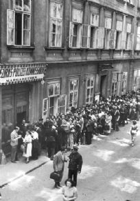 Jews queuing in front of a police station hoping to obtain exit permits, Vienna, Austria, 1938 Austro Hungarian, Never Again, The Third Reich, Lest We Forget, Police Station, Vienna Austria, Second World, World War Two, Ww2