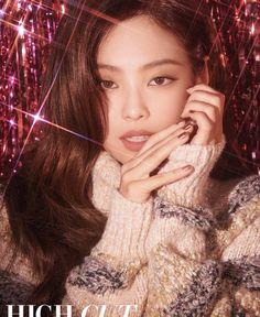 Blackpink Jennie - High Cut (Vol. Blackpink Jennie, Kpop Girl Groups, Korean Girl Groups, Kpop Girls, Girls Generation, High Cut Korea, Jenny Kim, Pose, Kim Jisoo