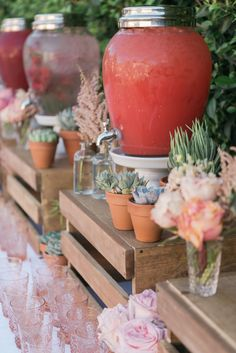 Photography : Jenna Elliott | Event Design : Twink + Sis | Catering : ComidaLA Read More on SMP: http://www.stylemepretty.com/living/2015/09/10/girly-california-baby-shower/